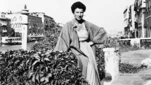 Peggy Guggenheim Art Addict_Key Still-0-2000-0-1125-crop